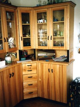 Kuchen eckschrank dekoration inspiration innenraum und for Küchen eckschrank